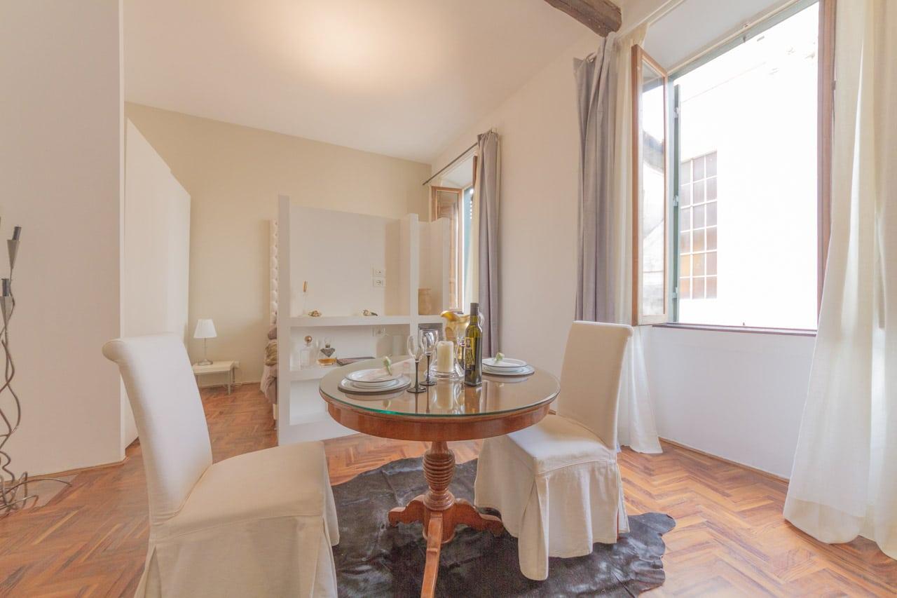 Affitto Centro Storico Roma – Piccolo Appartamento di Lusso in Via Giulia