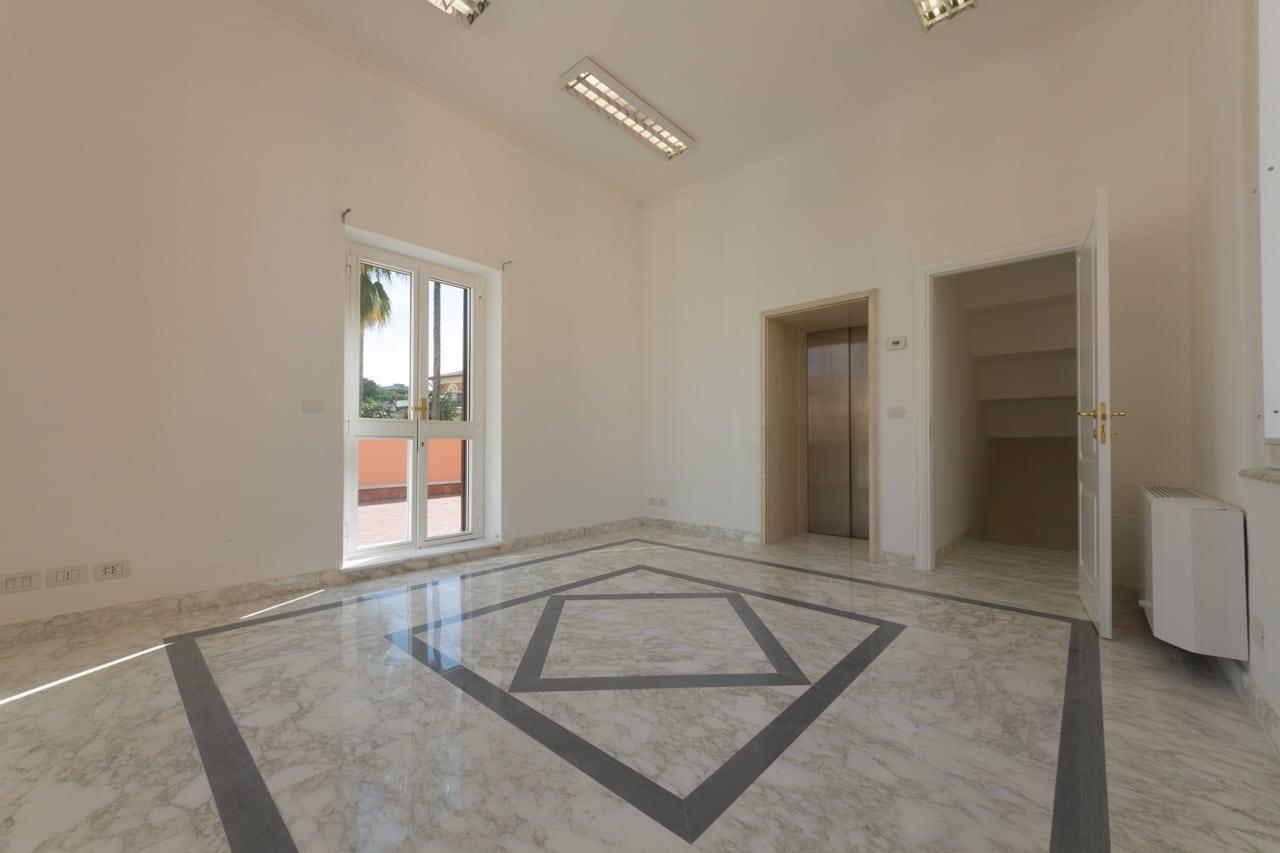 Villa in affitto a roma sede di rappresentanza in villa for Affitto uffici di prestigio roma