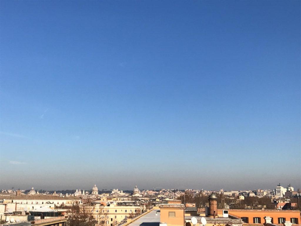 Appartamento di rappresentanza trastevere con balconata for Appartamenti in affitto roma