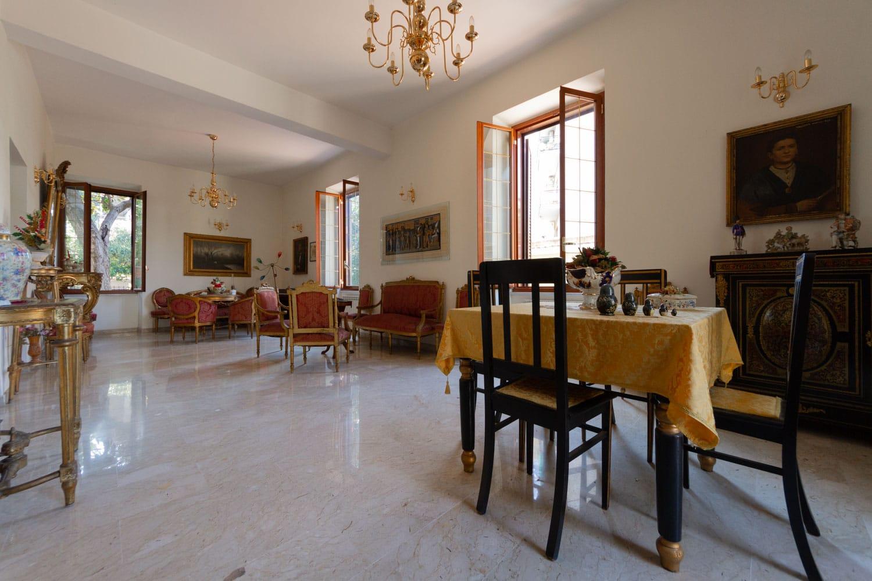 Palazzo in Vendita Roma – Edificio Liberty Frazionabile