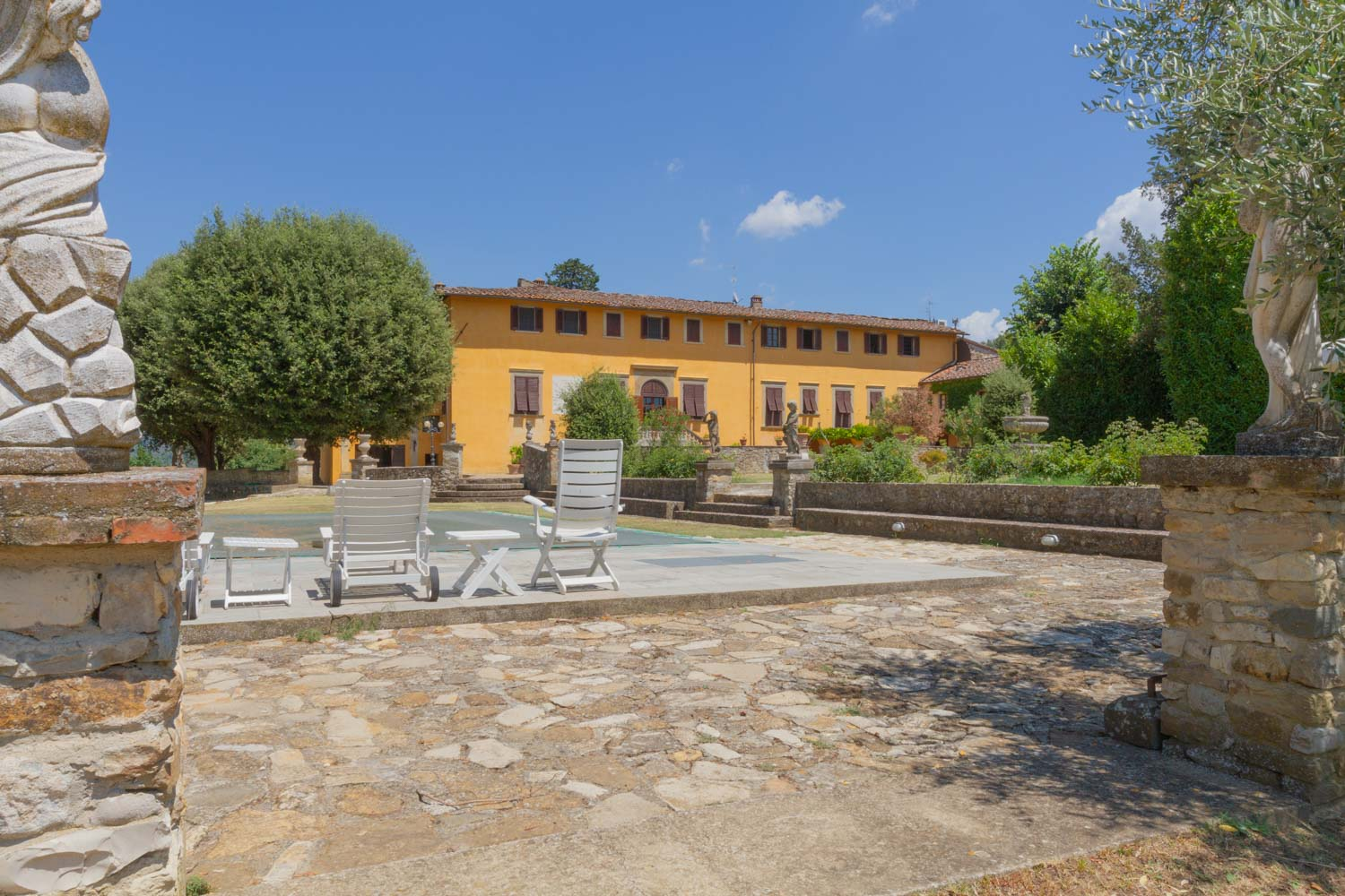 Tuscany Villas for Sale – Magnificent Property in Florence