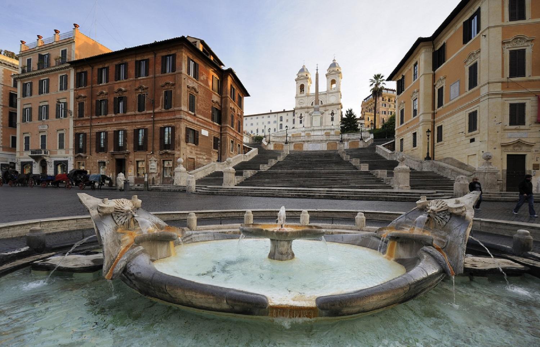 Negozio in affitto roma centro piazza di spagna for Affitto ufficio centro storico roma