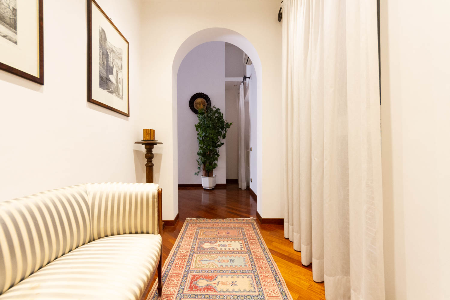 Spanish Steps Apartment for Rent - Fully Furnished