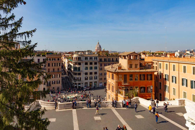 Roma trinit dei monti appartamento arredato in affitto for Roma centro affitto