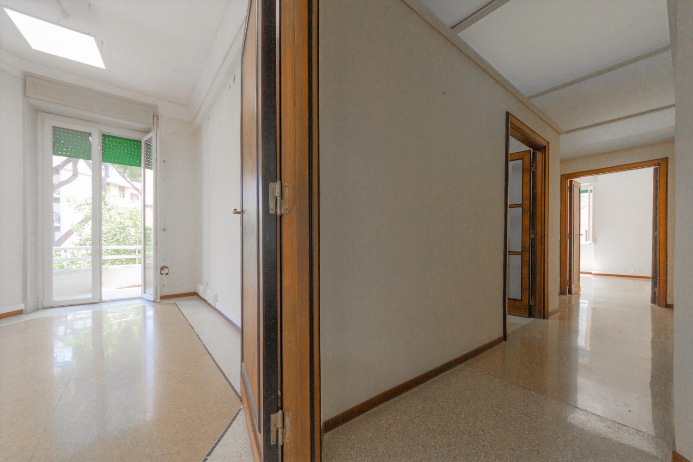 Appartamento roma prati di 200 mq vicino piazza mazzini for Uffici in affitto roma prati