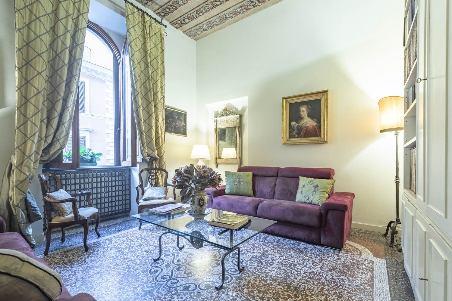 Apartment for Sale Rione Monti Roma: 115 square meters in the heart of the capital