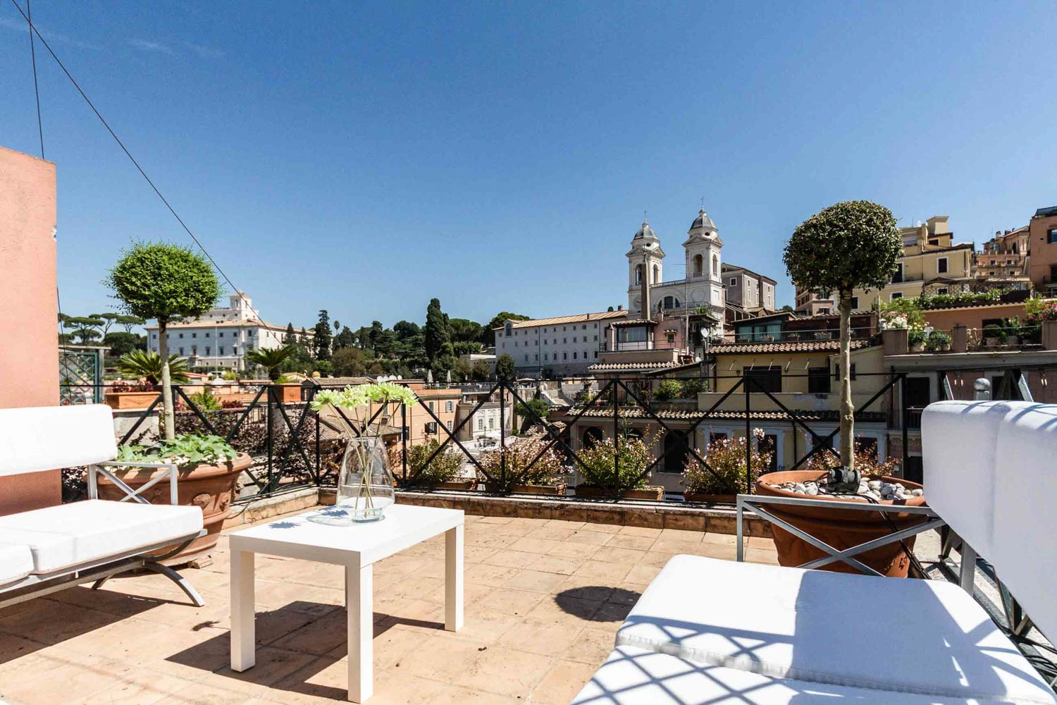Penthouse for rent Spanish Steps Rome: 300 m2 overlooking the Most Famous Stairway in the World