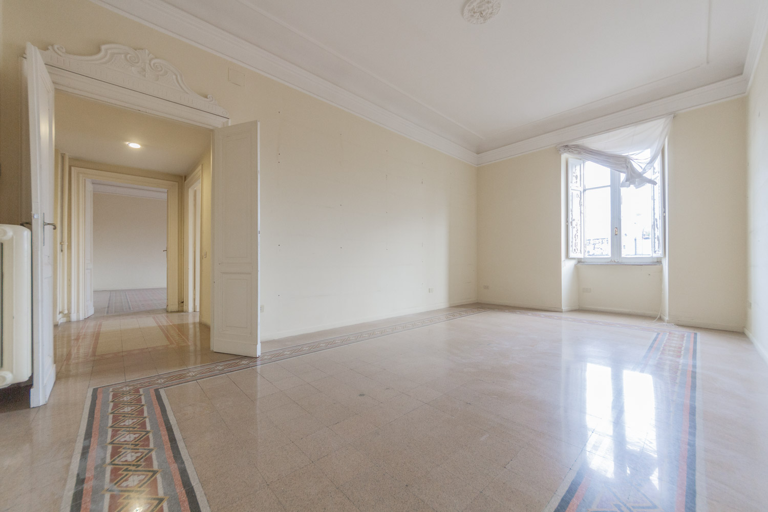 Apartment for Sale Rome Cola di Rienzo: Elegant 260 sqm Property in the Heart of Rome