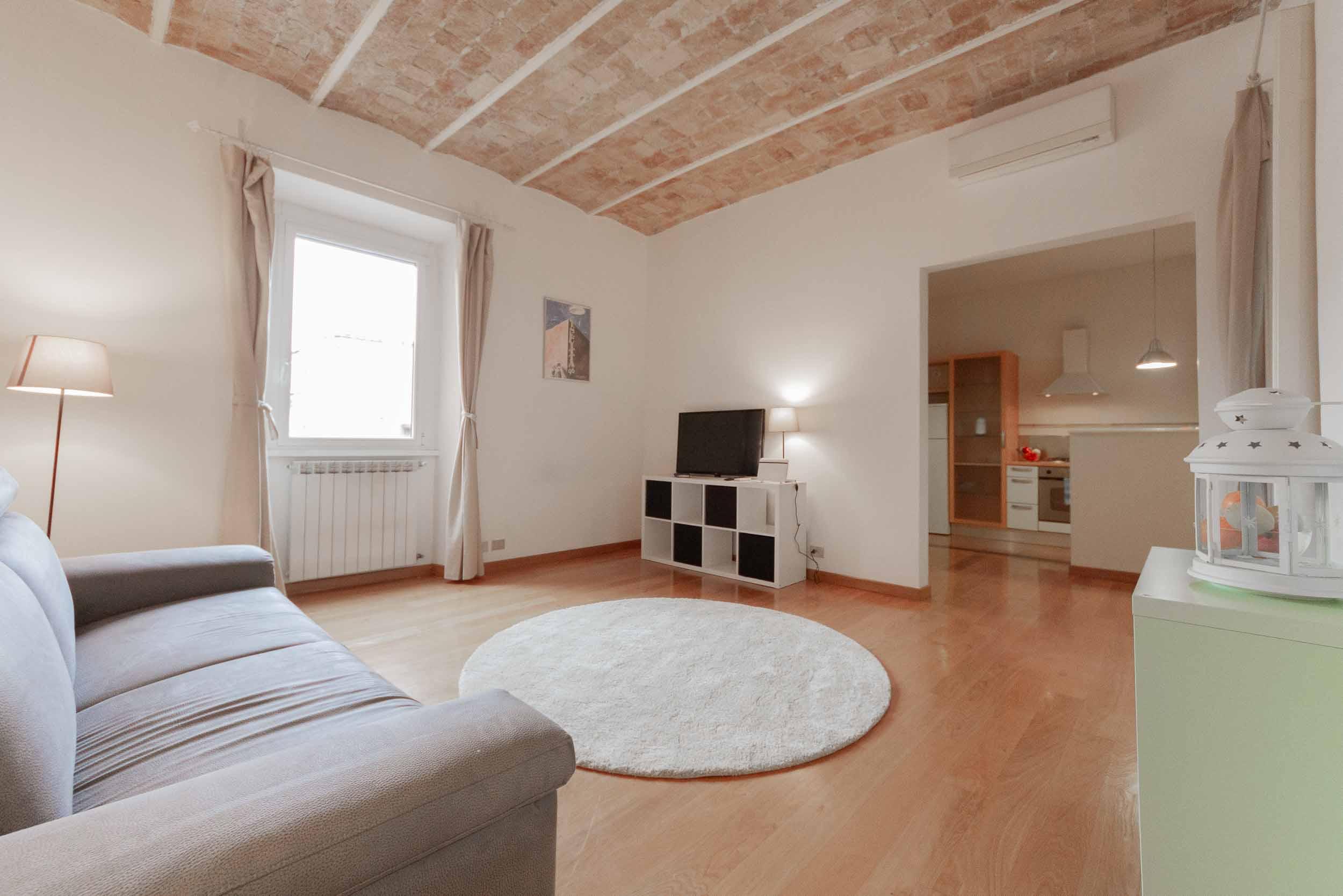 Case in Vendita Roma Prati: Appartamento a Borgo Vittorio con Viste sulla Cupola di San Pietro