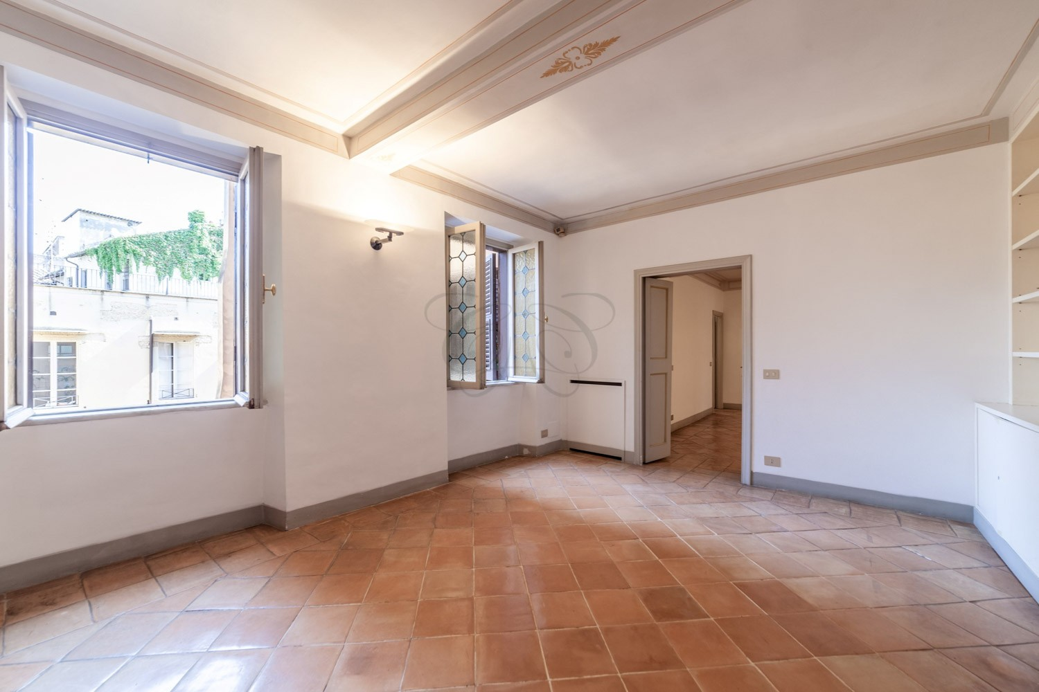 Luxury Real Estate in Rome: Apartment for Sale in a Noble Palace of via Giulia