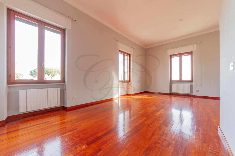 Appartamento a Monteverde Vecchio con Terrazzo: 140 mq e viste su Villa Sciarra