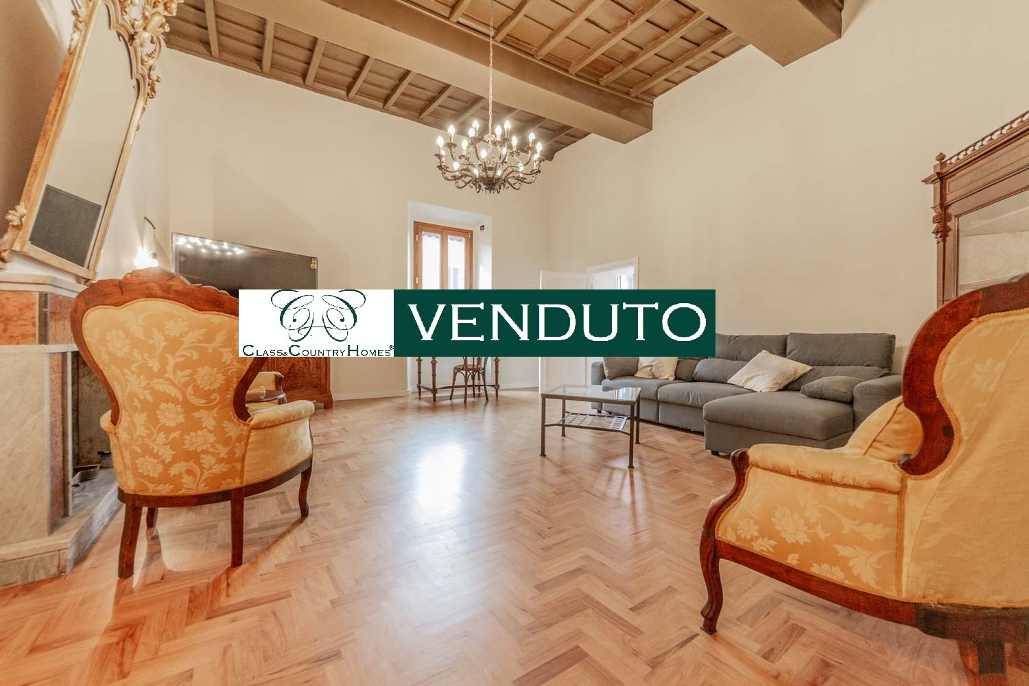Apartment for sale Rome North Campagnano: Finely Restored 200 m2 in Historic Building a few steps from Rome