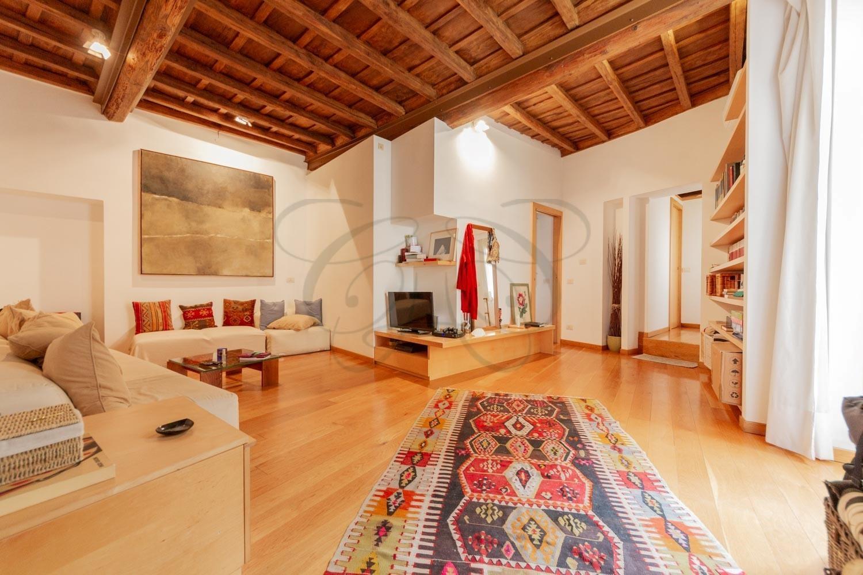 Affitto Roma Centro Storico con Terrazzo: Appartamento a Piazza Navona