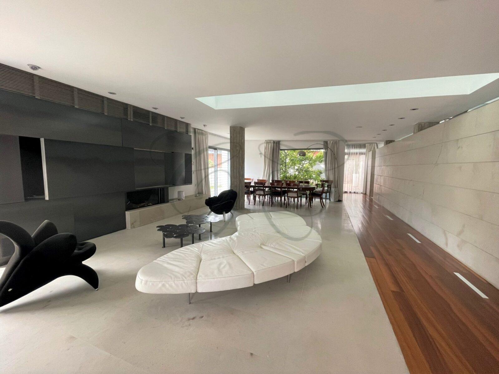 Ville Casal Palocco Roma: Magnifica Proprietà di Design in Vendita