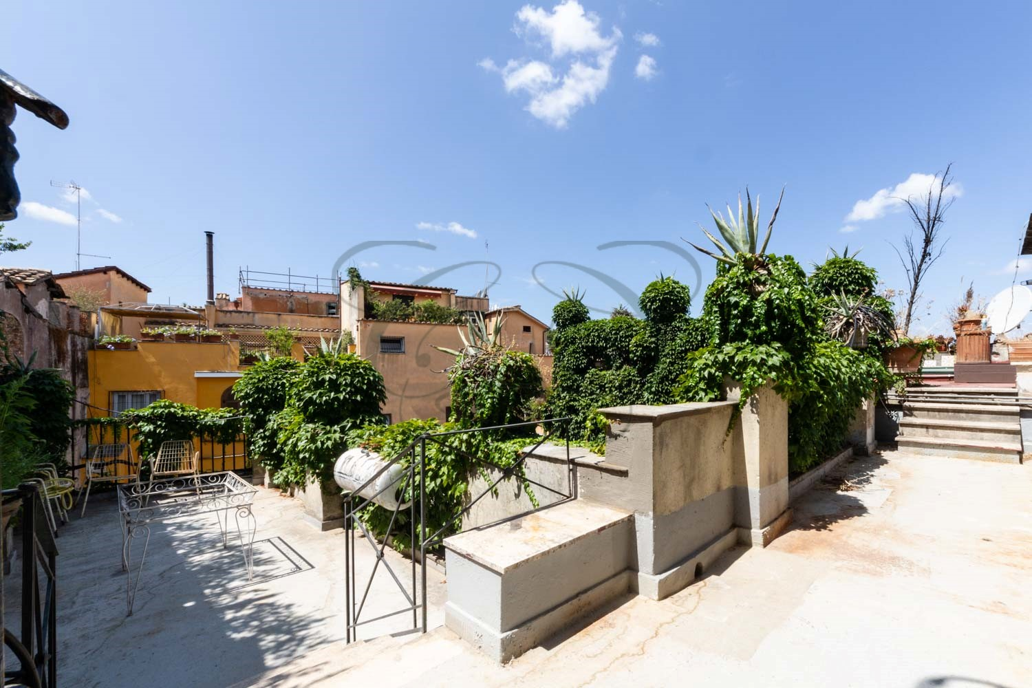 Luxury Rome Apartments with Terrace: 240 m2 Panoramic Penthouse