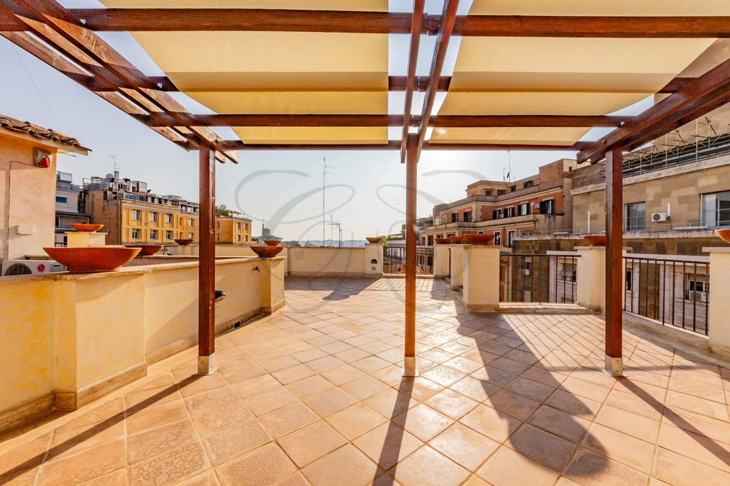 Rome Center Penthouse with Terrace: on two levels and with panoramic views